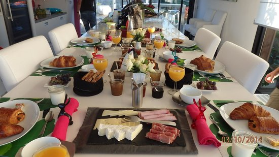 B&B Dochavert: Beautifully presented breakfast...