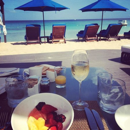 The House by Elegant Hotels: Champagne breakfast