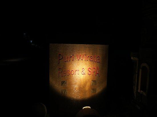 Puri Wirata Dive Resort and Spa Amed: Hotl sign