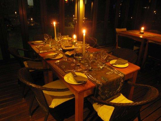 Thabile Lodge: večerní tabule