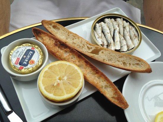 Café Ruc : Mini sardinhas deliciosas