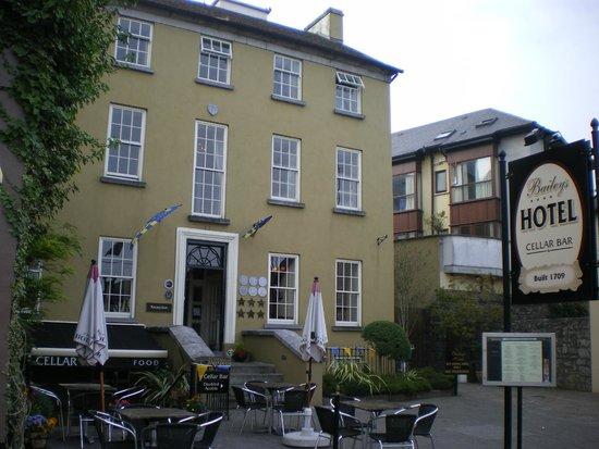 Baileys Hotel Cashel: hotel