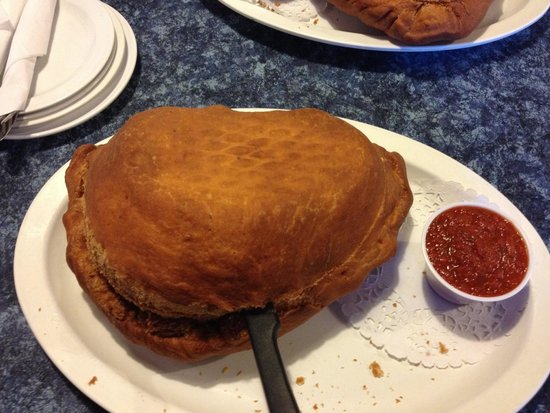 Louie's Pizza: The panzerotti  .