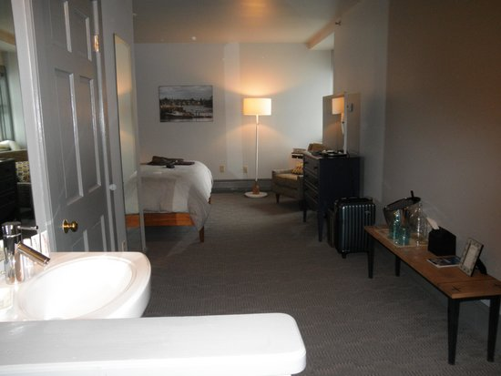 The Hotel Portsmouth : View from the door of Room 118 (Deluxe King ADA)