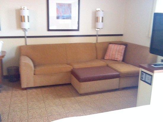 Hyatt Place Richmond Airport: Living quarters