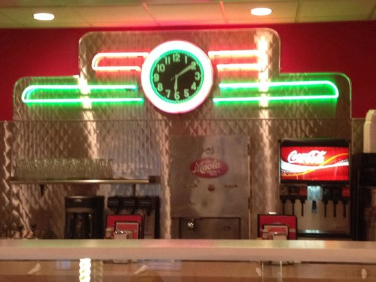 Big Al's Restaurant and Grill: Fountain counter