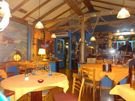 Lobs Fish Restaurant : Interior