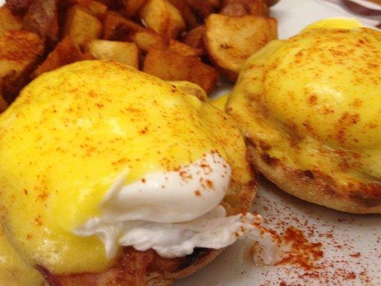 Medford Square Diner: Eggs Benny - Medford Sq. Diner 10.4.14