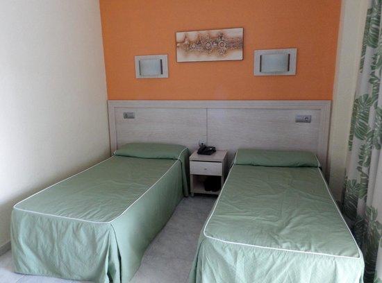 Servigroup Calypso: Room 811 (very compact)