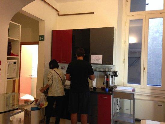 Academy Hostel: Cocina 2