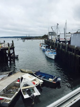 Wood's Seafood: Scenery is amazing