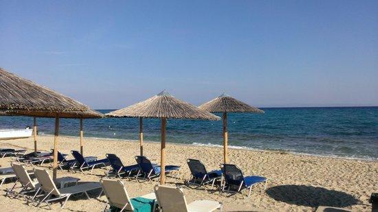 Naias Hotel: Пляж