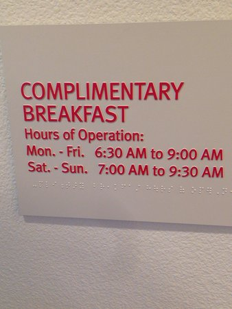 TownePlace Suites Lancaster: Great way to start your day.