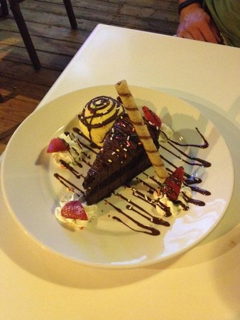 Coconut Joe's Beach Bar & Grill: Chef Vijay's special creation!