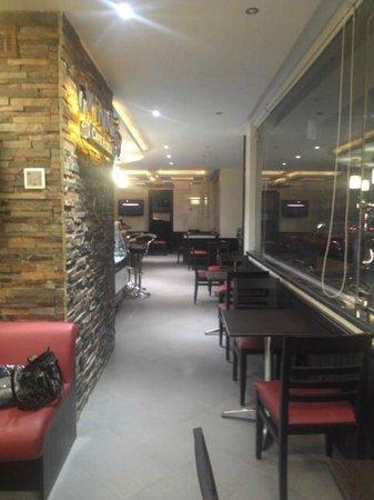 Vinni Cafe & Deli