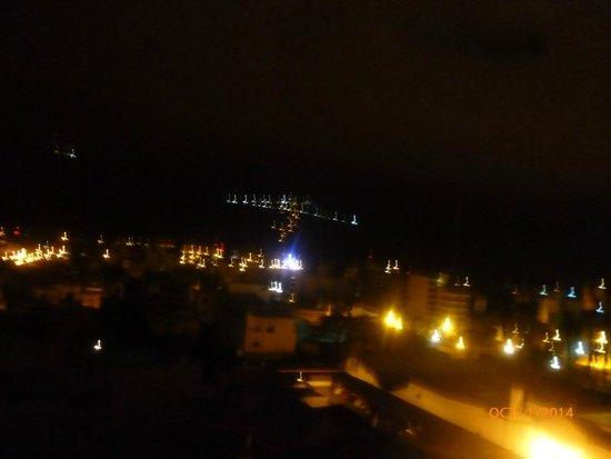 Casa Real Hotel: vista de la habitacion nocturna