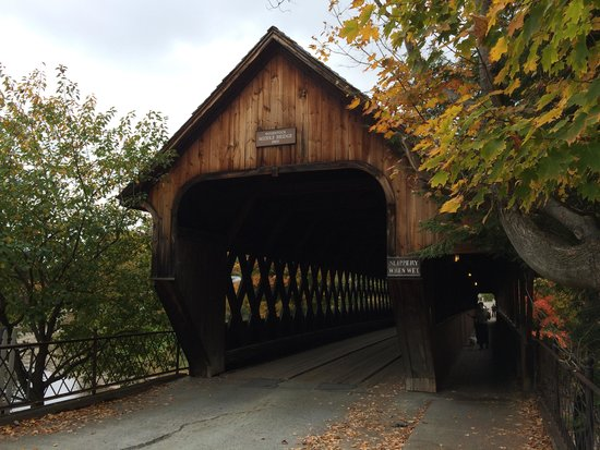 Woodstock Inn and Resort: Covered Bridge in Woodstock
