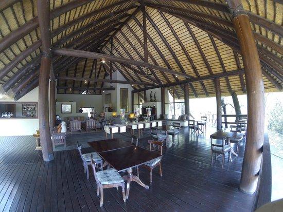 Sabi Sabi Little Bush Camp: dining area