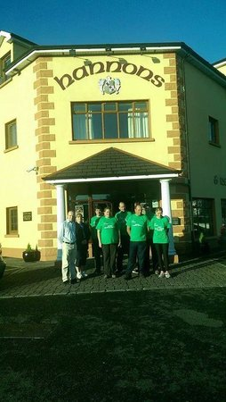 Hannon's Hotel : Andrew and home to home walkers