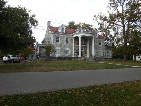 Beaumont Inn: Greystone Building