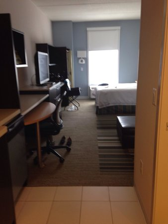 Home2 Suites by Hilton Nashville Airport: Lots of space