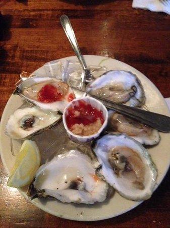 Landfall Restaurant: sensational oysters!!!!