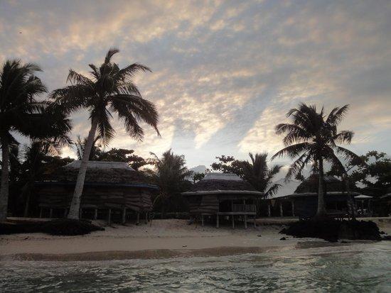 Joelan Beach Fales: Sunset.