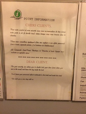 Campanile Paris Nord - Saint Denis Centre - Grand Stade: Warns people to take care outside in French but not in English