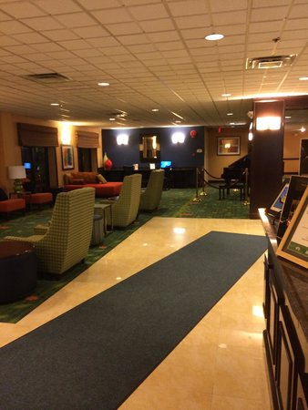 Comfort Inn Syosset by Choice Hotels : The lobby.