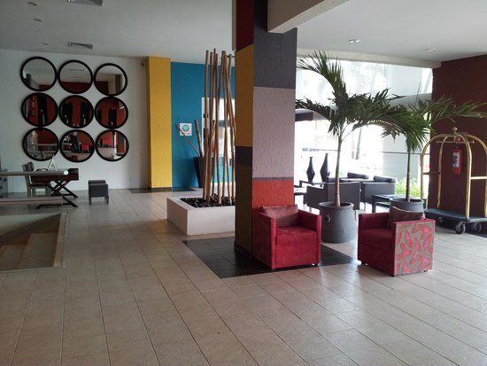 Smart Cancun by Oasis: Oasis Smart lobby