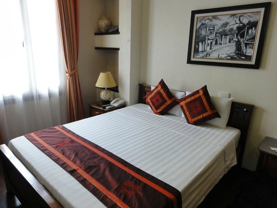 Golden Spring Hotel: chambre 301