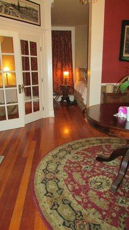 McCloud River Inn : Habitación n°1. Tenía 3 ambientes, más el baño.