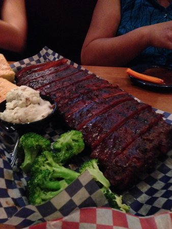 Santa Ana Heights, Californien: Ribs with sides