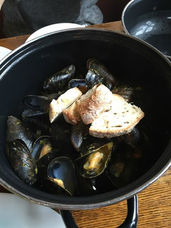 St. Veronus Cafe And Tap Room : Mussels