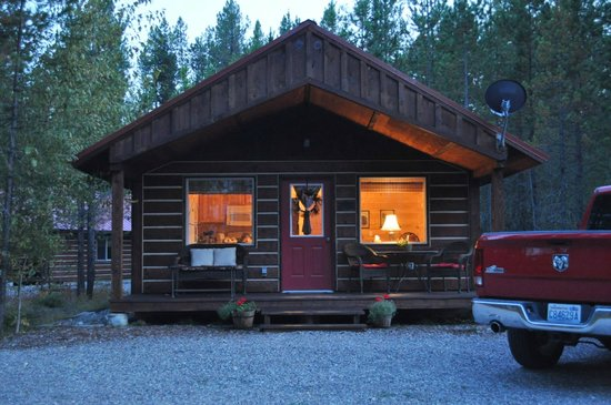 Reclusive Moose Cabins: the trout cabin. very quiet and clean