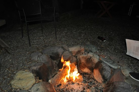 Reclusive Moose Cabins: enjoying the fire