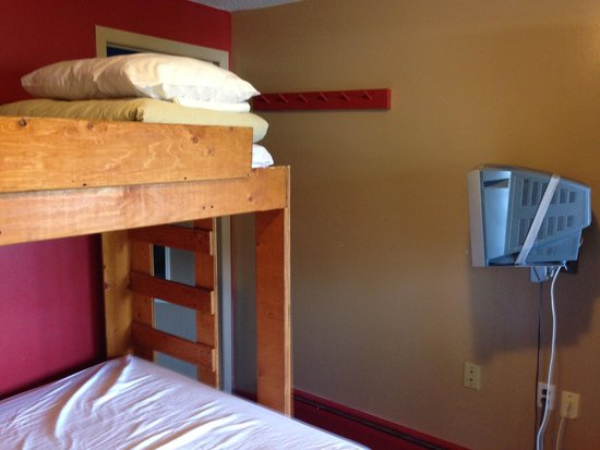 The Raging Elk Adventure Lodge: Our room
