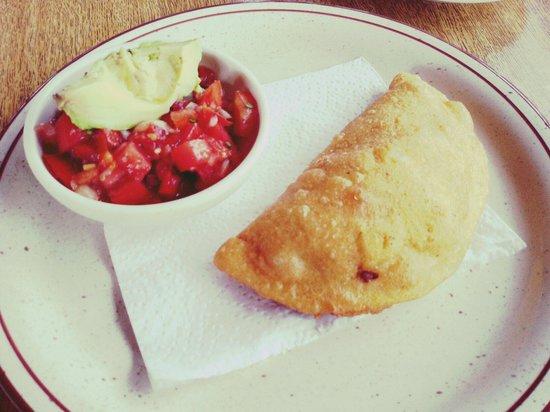 Restaurante Rancho del Sapito : Empanada de chicharrón. Recomendadisima ��