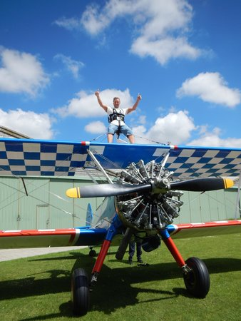 Aerosuperbatics - Become A Wingwalker