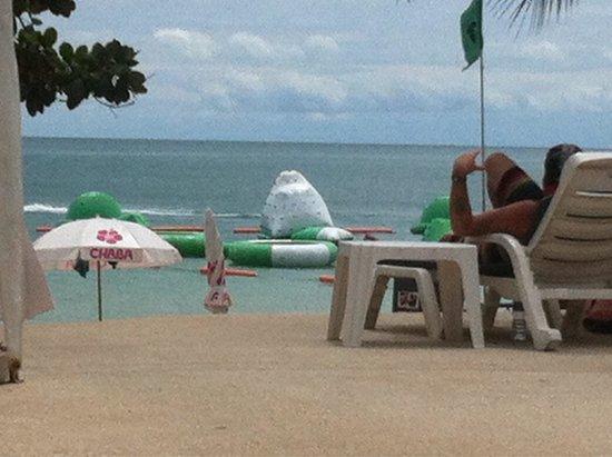 Chaba Samui Resort : Beach view from the pool