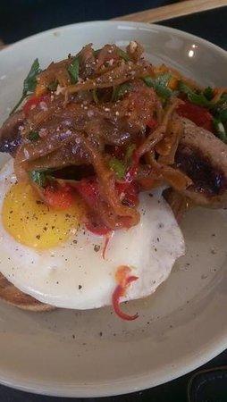Bay Leaf Cafe : italian sausage breakfast