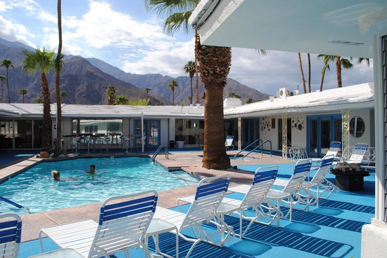 Palm Springs Rendezvous: Pool area