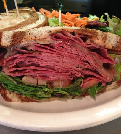 Merced, Californien: NY Pastrami piled high with sauerkraut and thousand island dressing!