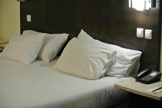 Leonardo Club Hotel Tiberias: Bed