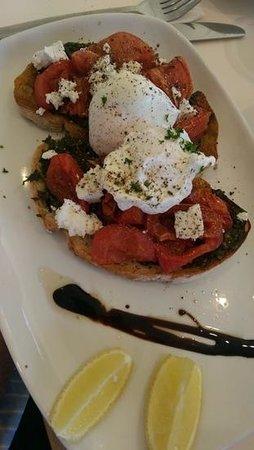 Cafe Aqua: pesto tomato poached eggs