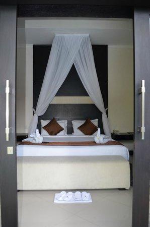 Grand La Villais Villa and Spa Seminyak : The very comfortable bed