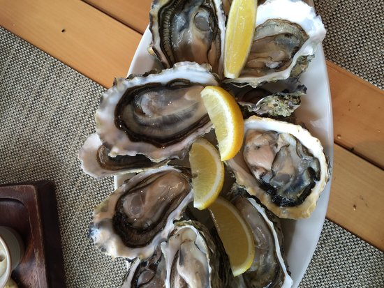 Osia Steak and Seafood Grill: Oysters!!!