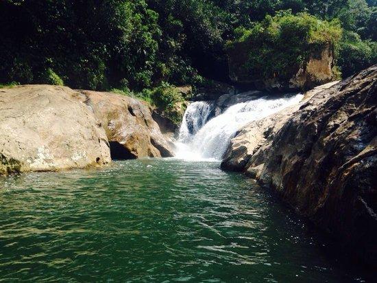 Cascada Las Hamacas