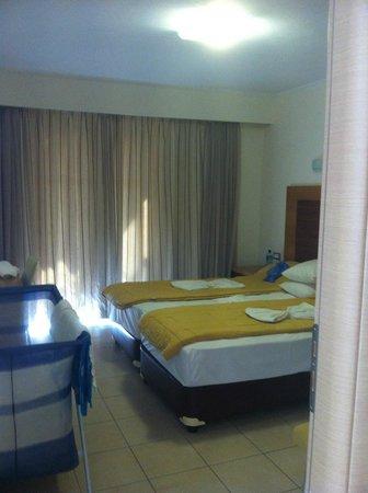 Hotel Isida : Bedroom
