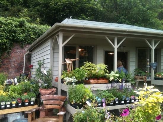garden shop. Bradley Gardens: Garden Shop O